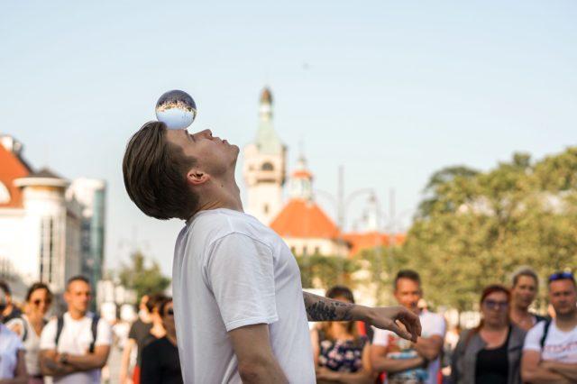 Iluzjonista Dawid Świstek - pokaz uliczny