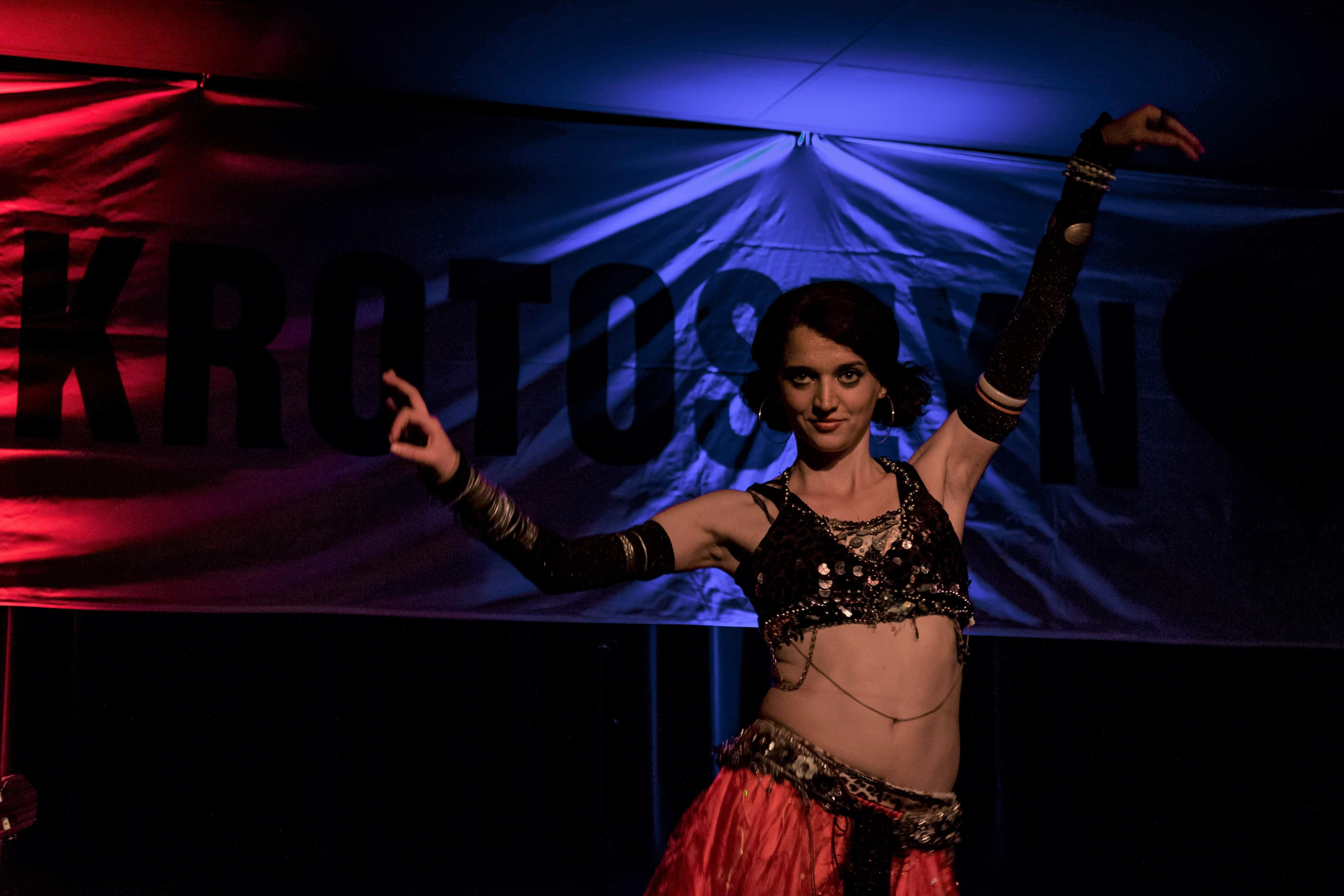 Występ Dancer Lucy w Krotoszyńskim Ośrodku Kultury podczas festiwalu BuskerBus