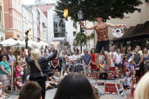 Kacper Wydmański - pokaz uliczny w Zielonej Górze podczas festiwalu BuskerBus