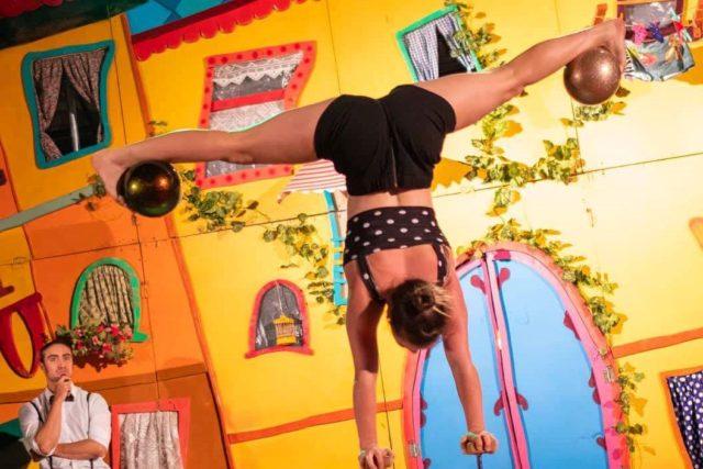 POPI - akrobatyka z piłkami
