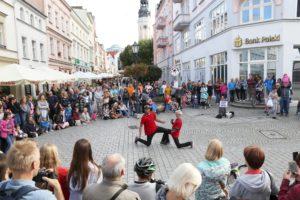 Duet Umami Dancetheatre - BuskerBus w Zielonej Górze